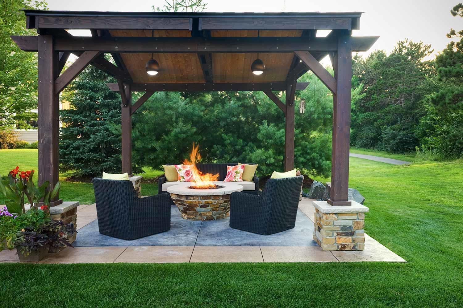 wheel chair accessible backyard outdoor living room with fire feature