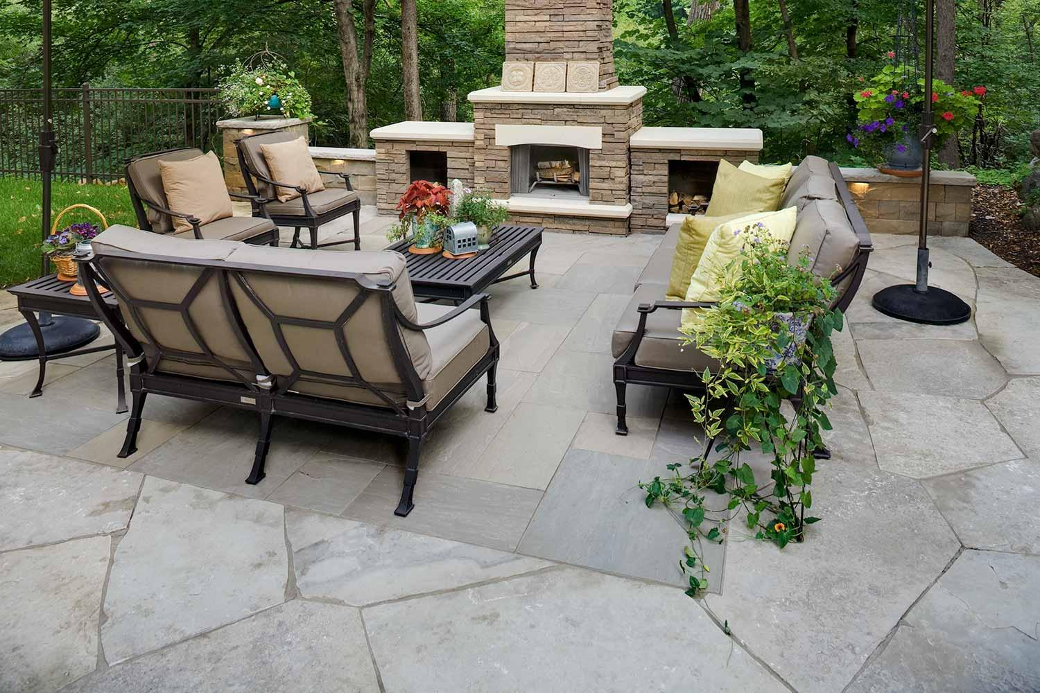 inlaid patio with large format pavers in orono Mn