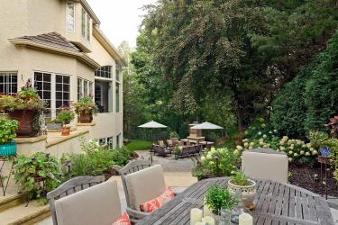 Backyard dining patio landscape in Orono MN