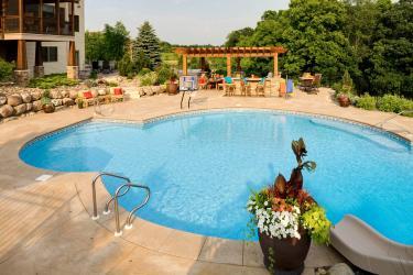 Custom Minneapolis Swimming Pool design & installation ...