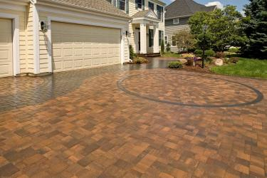Driveway using color pavers