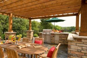 outdoor dining room and kitchen patio