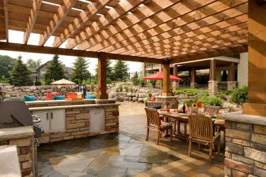 pergola grill and outdoor kitchen