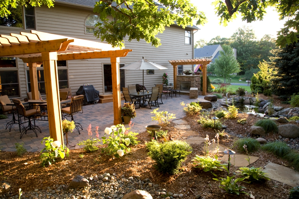 Minnesota outdoor rooms and landcape southview design for Garden rooms for small spaces
