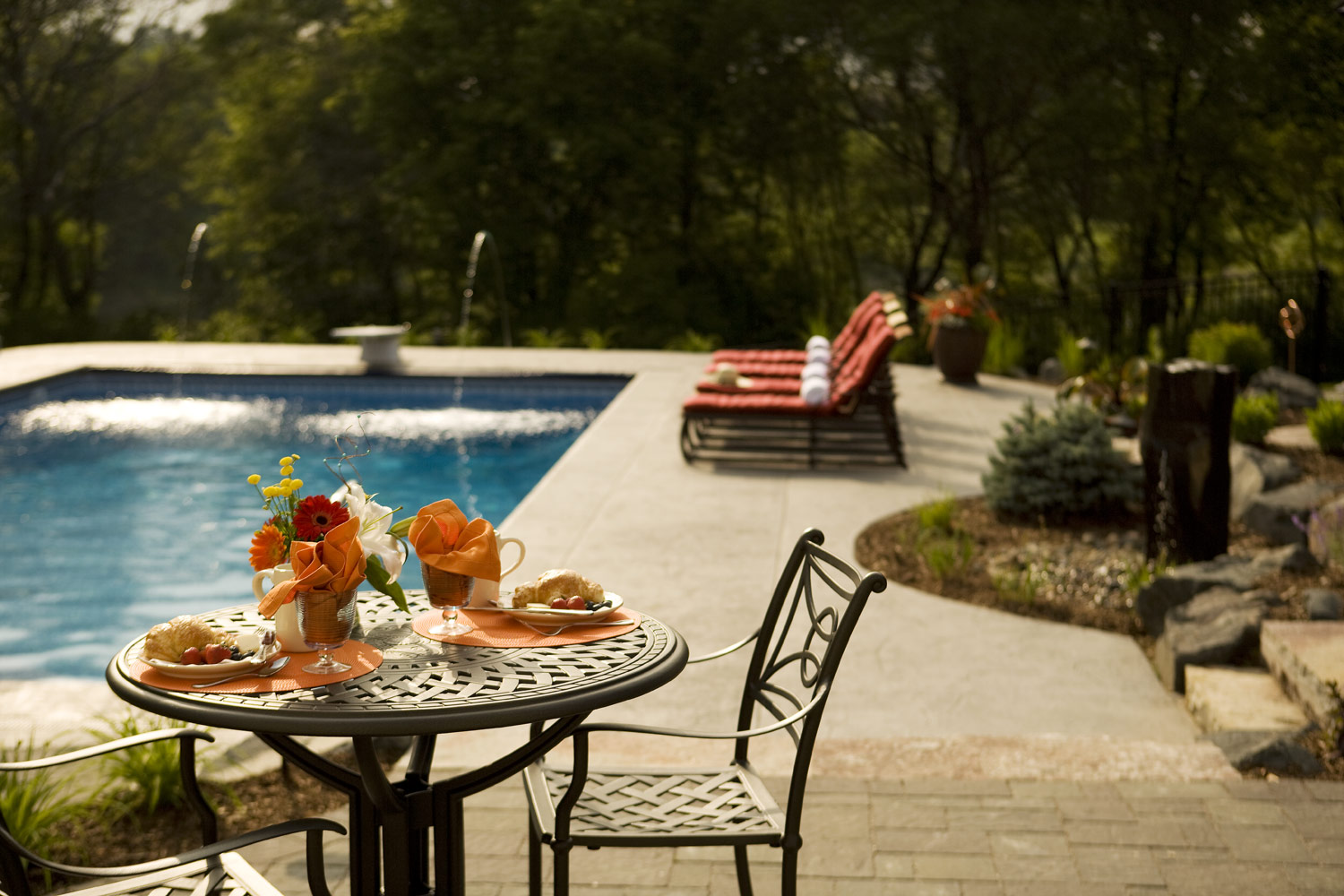 Woodbury, MN patio and pool Landscape design