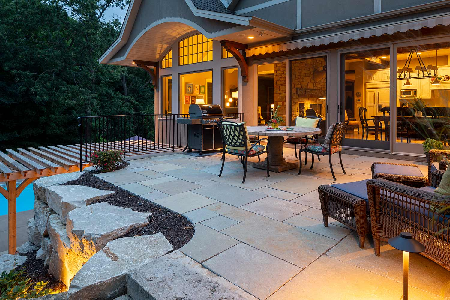 upper level walkout large format paver patio