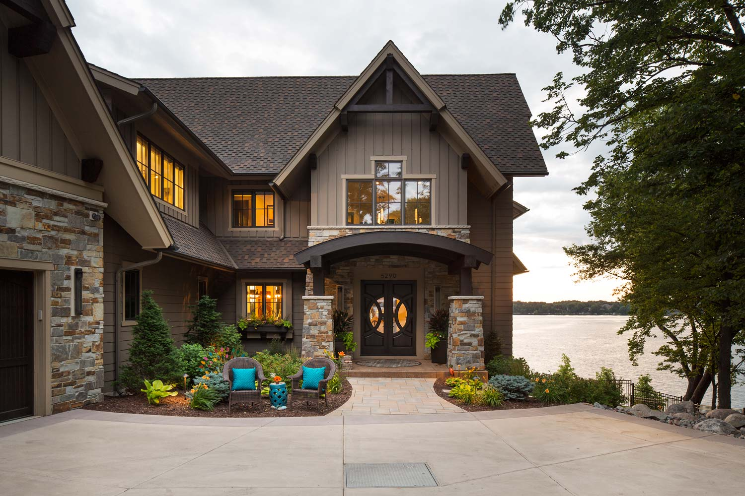 Landscaping front entry gardens in Prior Lake landscape design