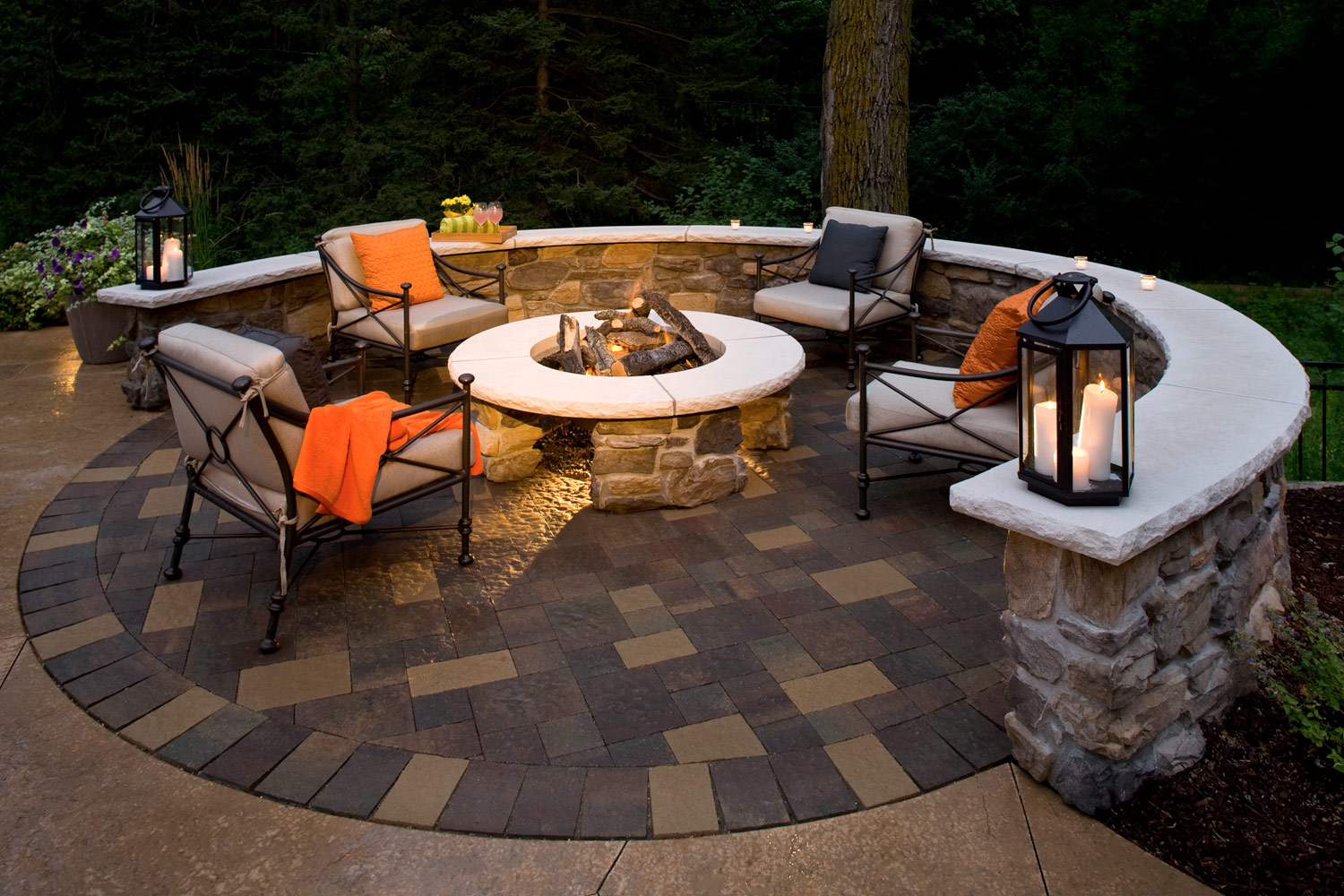 16' circular pave patio with a gas fire pit