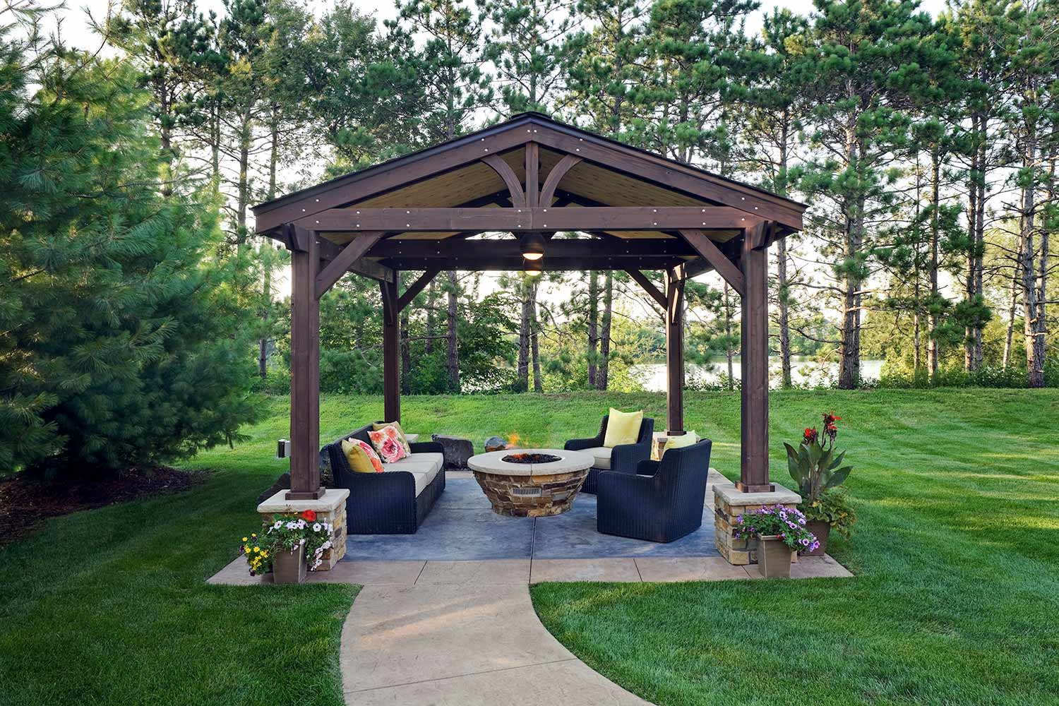 Lakeville, MN backyard landscape and covered pergola