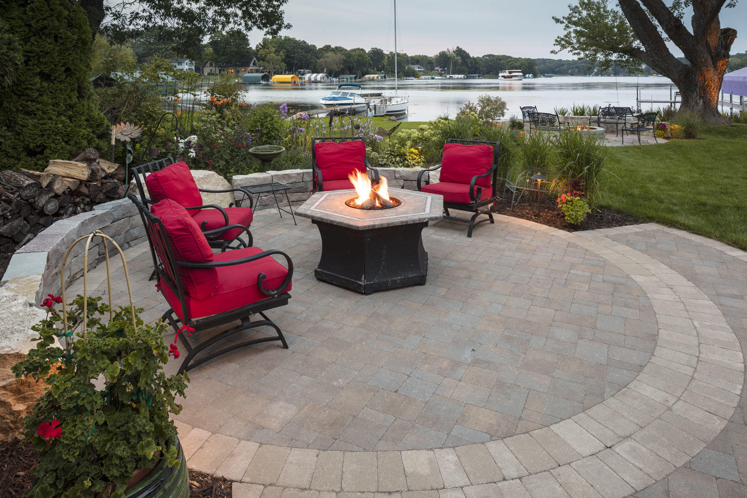 Paver patio with fire table